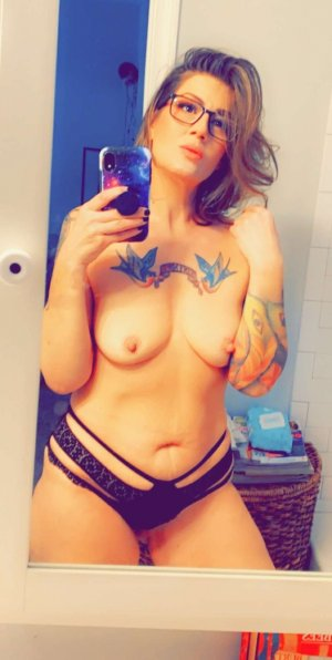 Lyziane free sex ads in Kingsburg CA